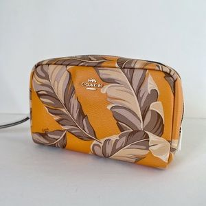 COACH BOXY COSMETIC CASE WITH BANANA LEAVES